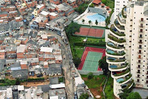 contrastes ricos y pobres