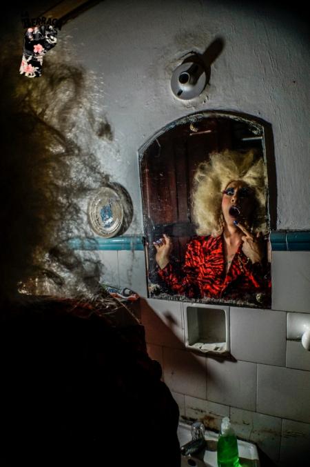 La quebrada: poesía y performance de Tina Pit