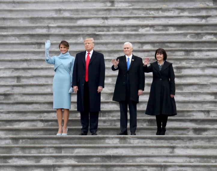 melania_saluda_hieratica_durante_la_ceremonia_inaugural_de_la_presidencia_de_donald_trump_6858_863x680